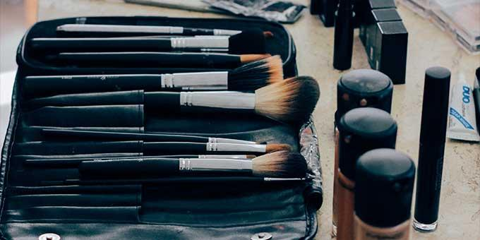 So you want to start a makeup kit but you have no idea where to begin