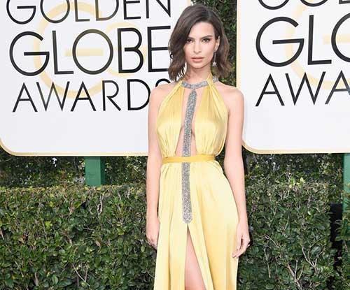 Emily Ratajkowski flashed at Golden Globes