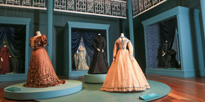1800s fashion gallery
