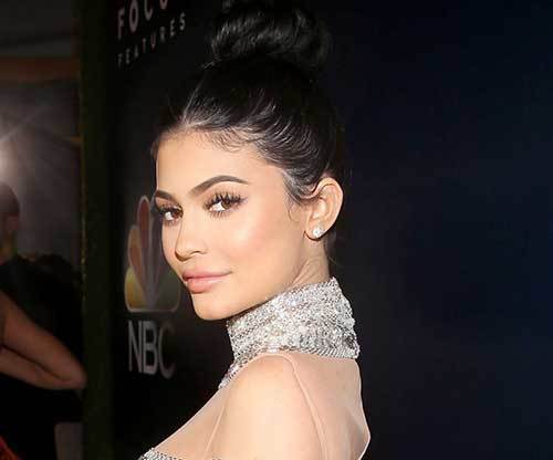 "7 thoughts we have about ""Life of Kylie"""
