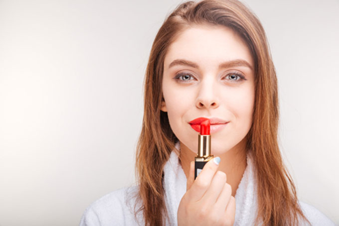 With thousands of lipstick brands and kinds, it can be confusing what to purchase, especially if you have dry and sensitive lips. In this article, we'll give you a few of the best lipsticks for dry and sensitive lips.