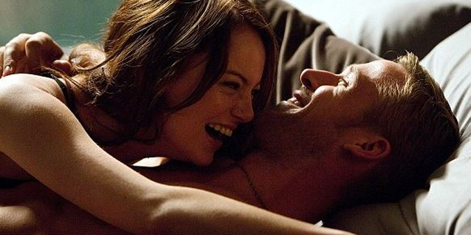 Couple laughing in bed ryan gosling emma stone